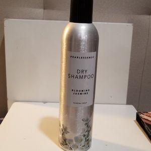 Pearlessence Dry Shampoo